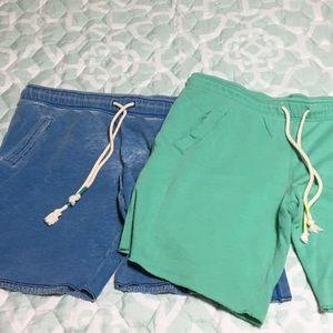 Bundle of 2 capri sweatpants